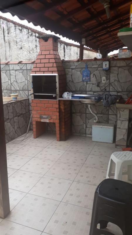 casa com piscina lado morro itaguaí, mongaguá. ref. 0991 m h