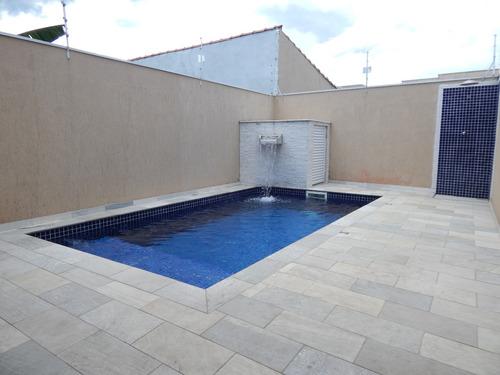 casa com piscina na belíssima cidade praiana de peruíbe