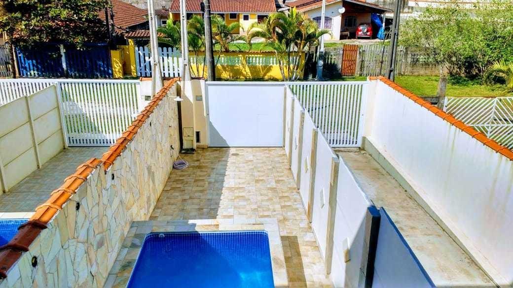casa com piscina na praia em itanhaém disponível para tempor