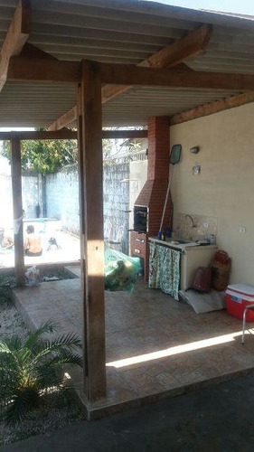 casa com piscina no jardim leonor, em mongaguá.