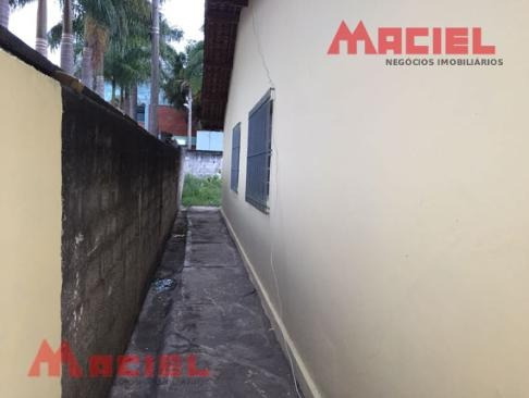 casa com quintal amplo - 3 vagas - 1 suite