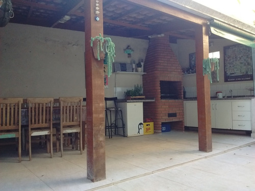 casa com quintal espaçoso, raridade na região. ref 79014