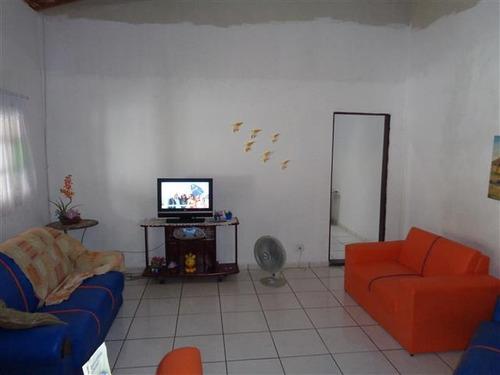 casa com quintal grande na praia de mongaguá- c4889