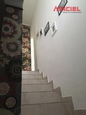 casa com suite - sala de estar - sjc