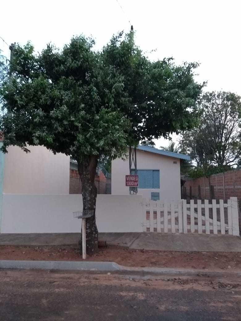 casa com terreno grande (chácara)