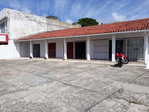 casa comercial no bairro atalaia com 2200m² - ca31