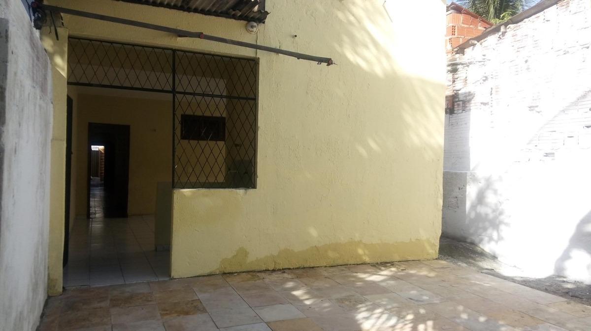 casa comercial ou residencial - 2 quartos, garagem, quintal
