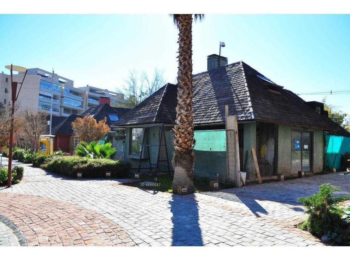 casa comercial para restaurante / frente portal la dehesa