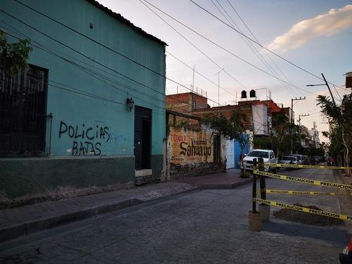 casa como terreno de 304.77 m2 santiago, en el centro de sahuayo michoacan