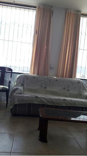 casa cómoda y amplia