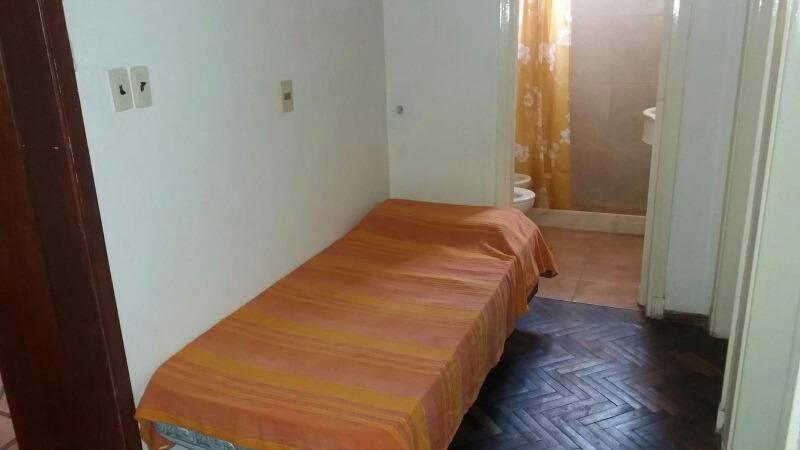 casa comoda y segura 2 cuadras playa,4 centro, media del bus
