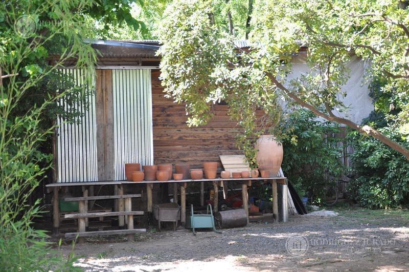 casa con 1.920m2 de lote arbolado - la bota - excelente ubicación - benavidez