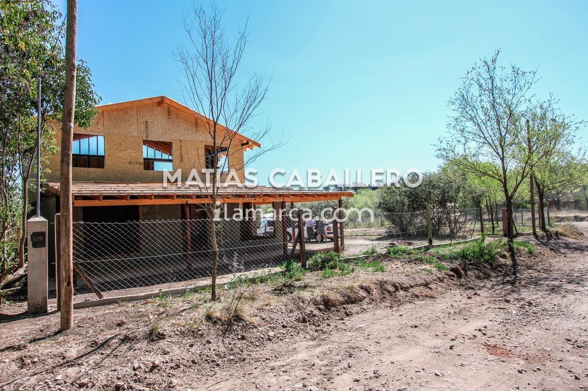 casa con 2 cabañas en villa giardino