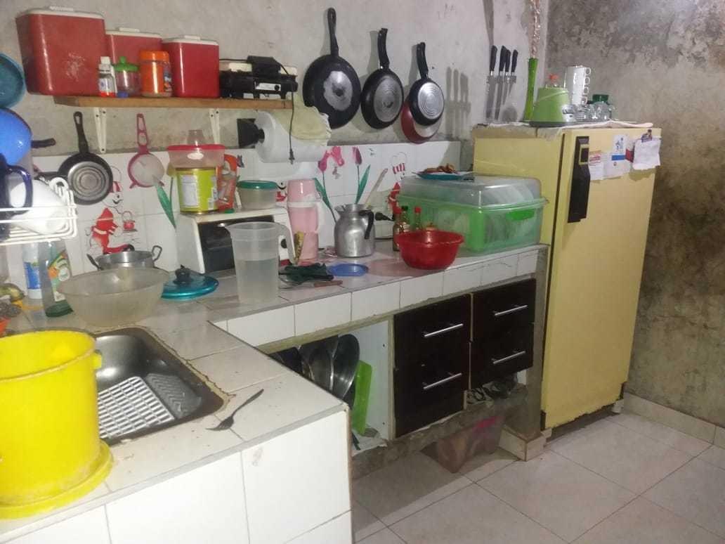 casa con 2 piezas sala baño cocina cuarto de aseo y patio