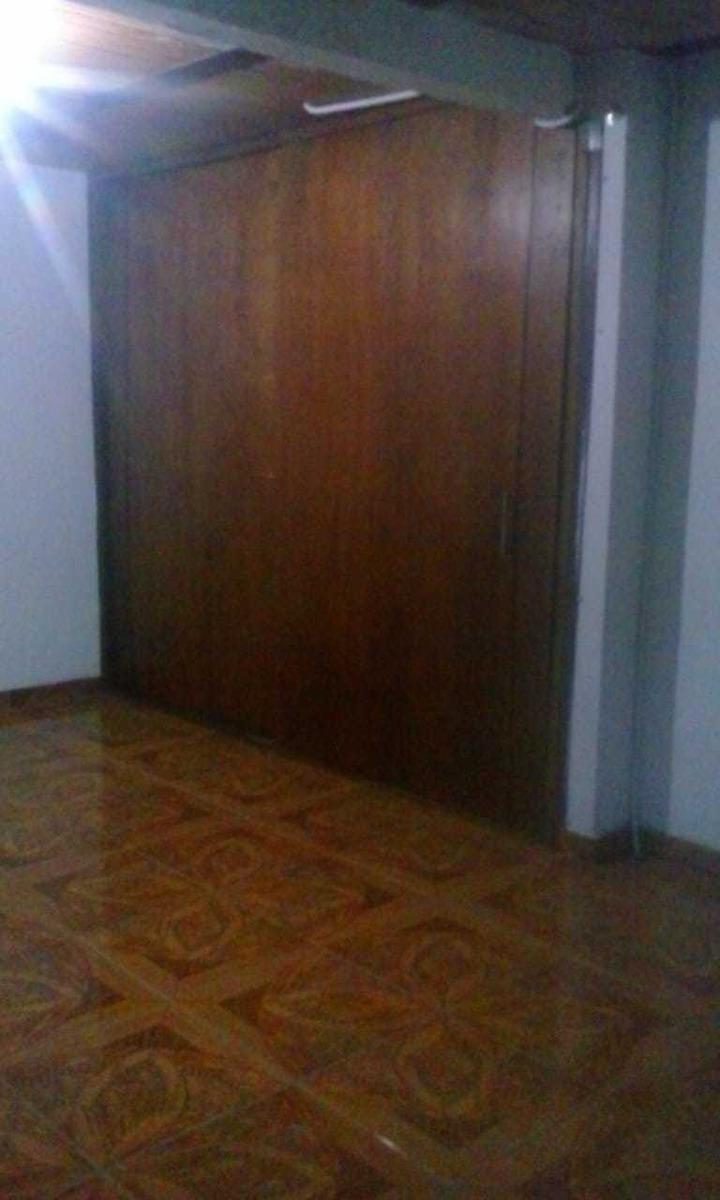 casa con 3 apartamentos independientes