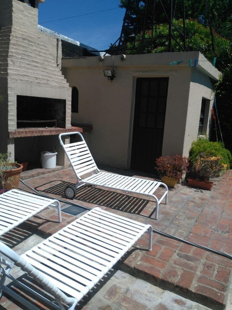 casa con 3 dormitorios, 2 baños, pileta, terraza
