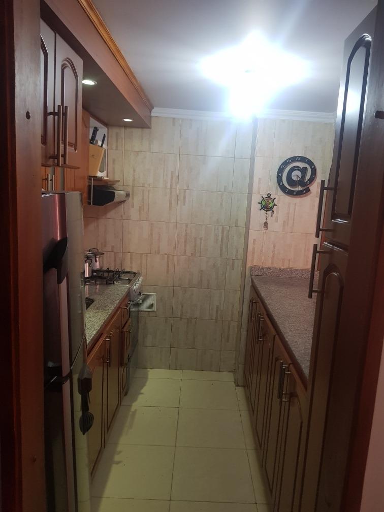 casa con 3 habitaciones, dos baños, patio, jardín.
