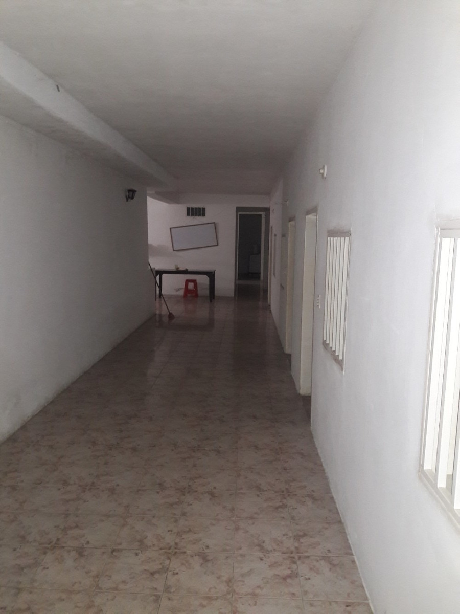 casa  con 3 habitaciones mas residencia 18 habitaciones
