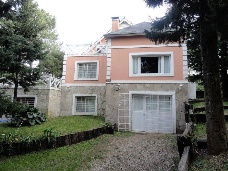 casa con 3 habitaciones y departamento en venta