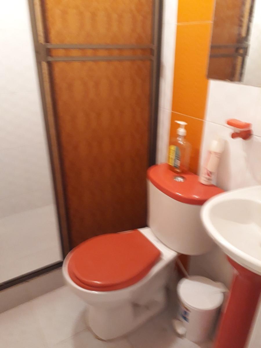 casa con 3 habitaciones y dos baños