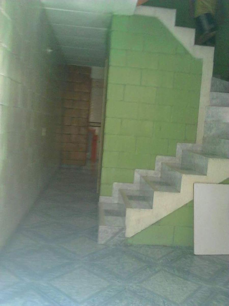 casa con 3 plataformas, se vende o se permuta.