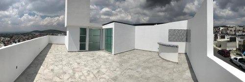 casa con 3 recamaras y 3 baños y medio