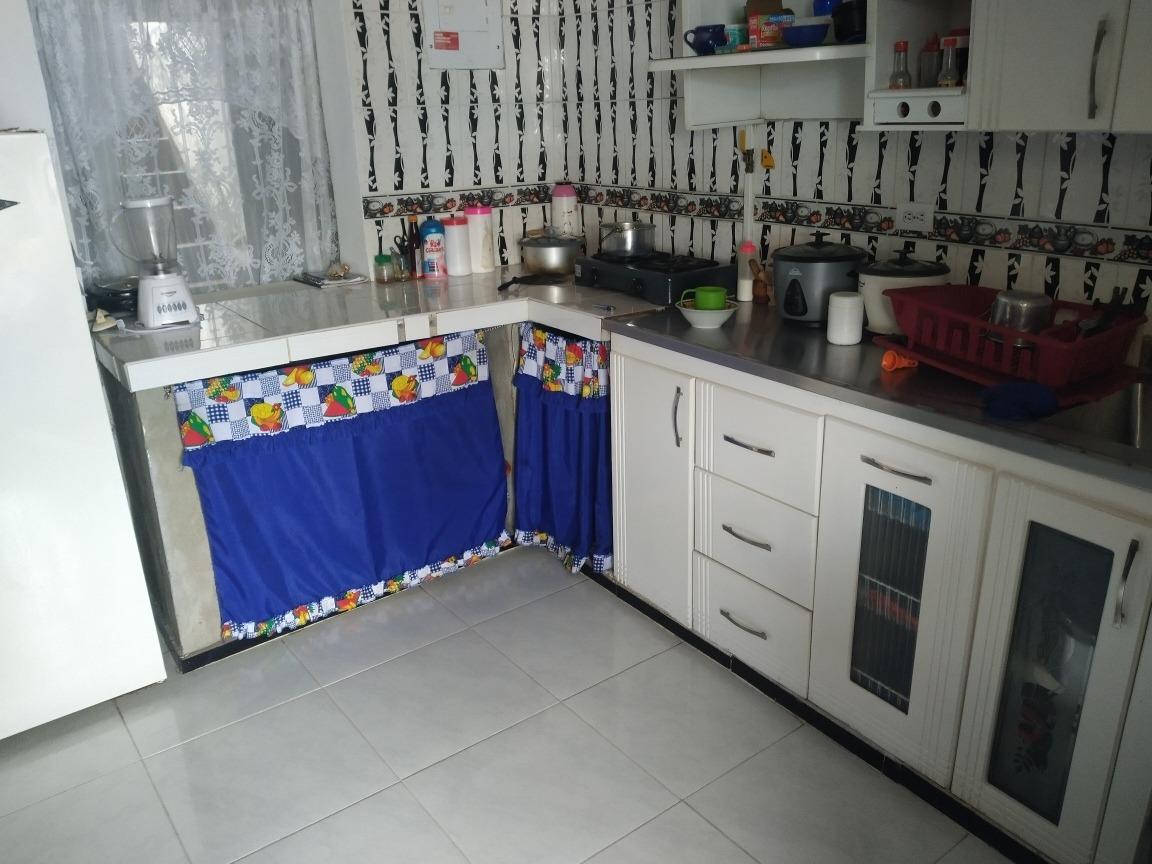 casa con 4 abitaciones, sala,cocina,1 baño patio grande