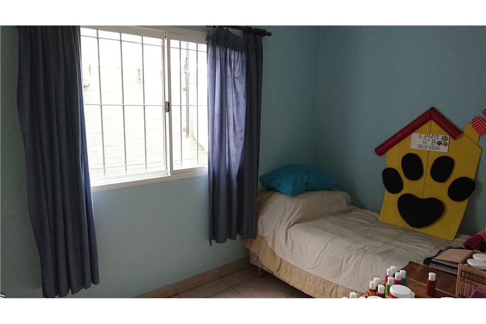 casa con 4 dormitorios - bella vista -