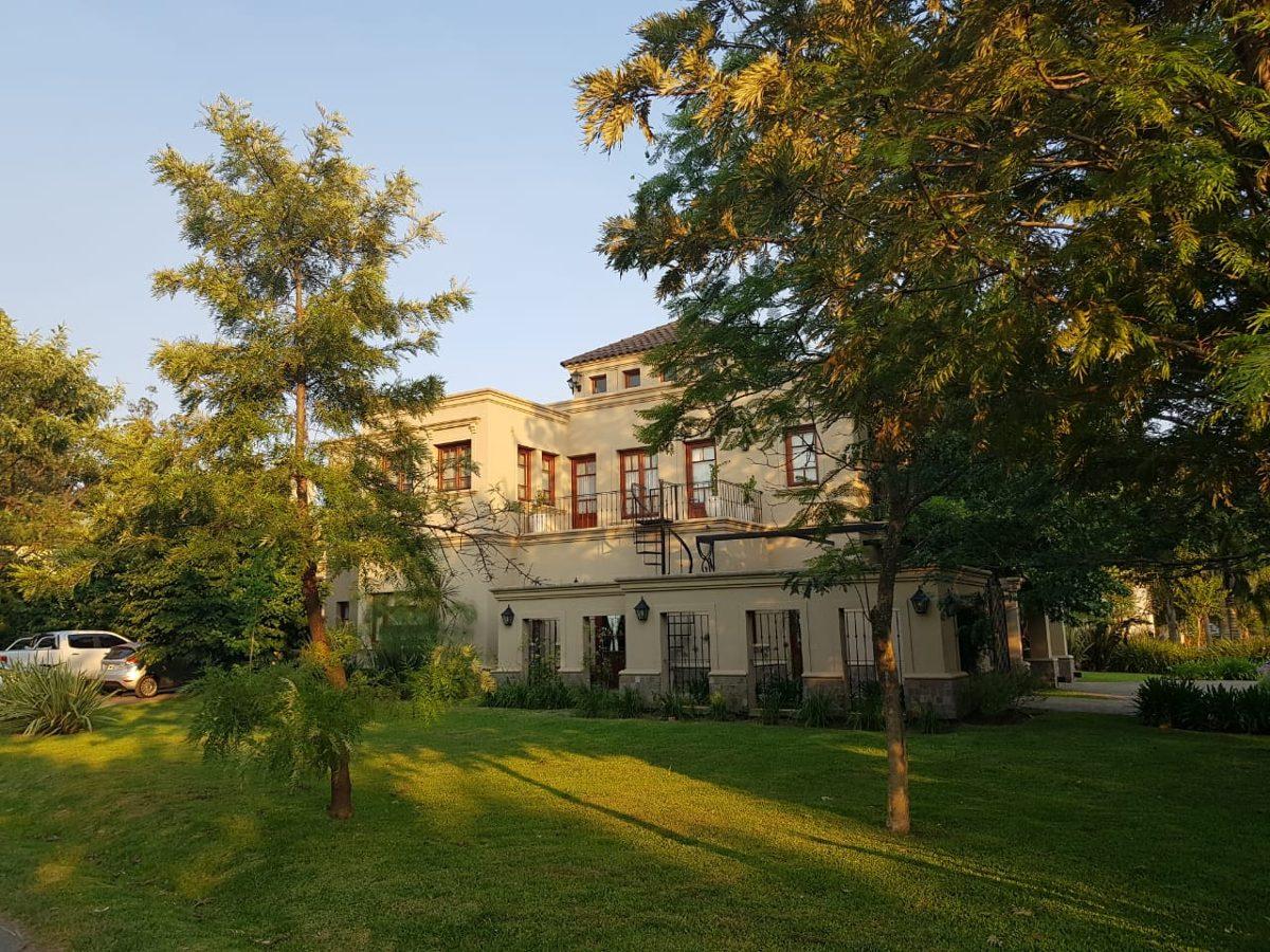 casa con 4 dormitorios en country campos de alvarez
