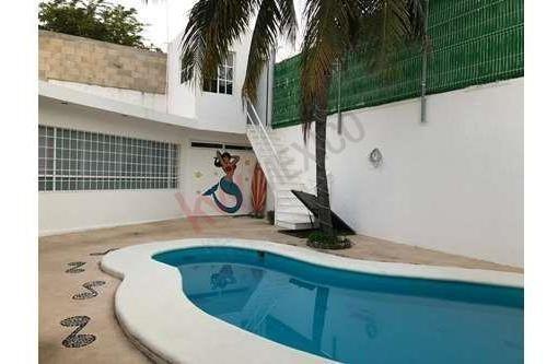 casa con alberca en playa del carmen. de un piso, 3 recamaras, 3 baños
