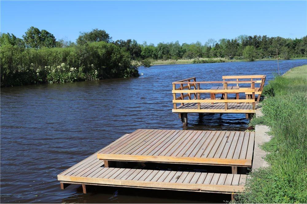 casa con amarra al río venta o alquiler temporal