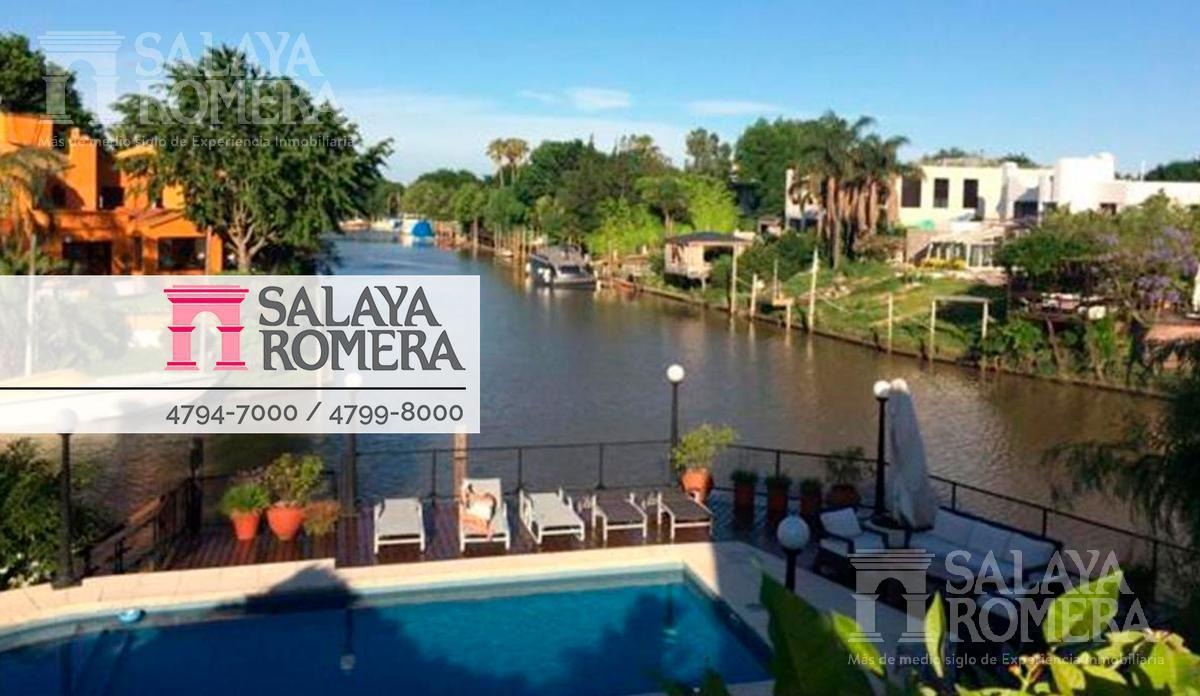 casa  con amarra en venta  boating club