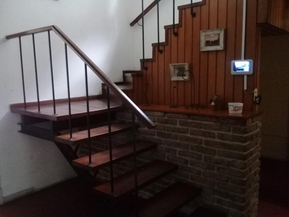 casa con ampios ambientes para usos varios