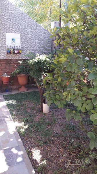 casa con amplio patio y departamento en francisco alvarez***