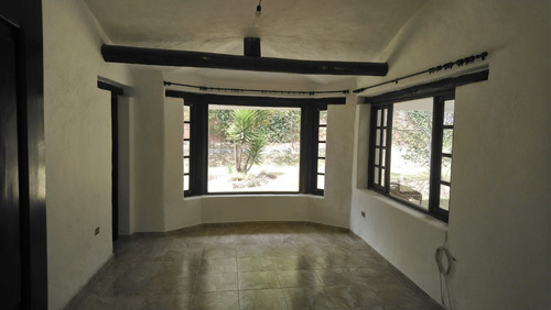 casa con amplio terreno en tumbaco