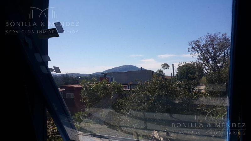 casa con apartamento y la mejor vista a la bahía de piriápolis