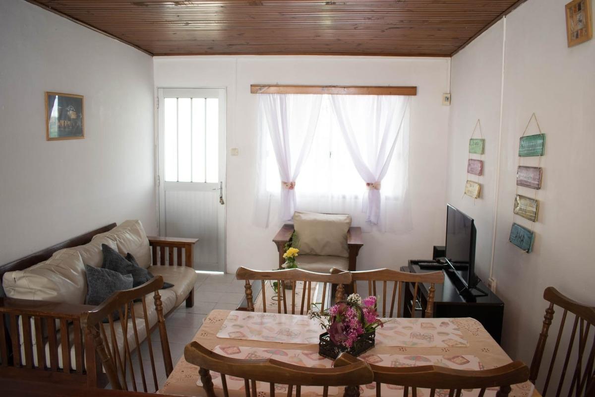 casa con capacidad hasta 8 personas