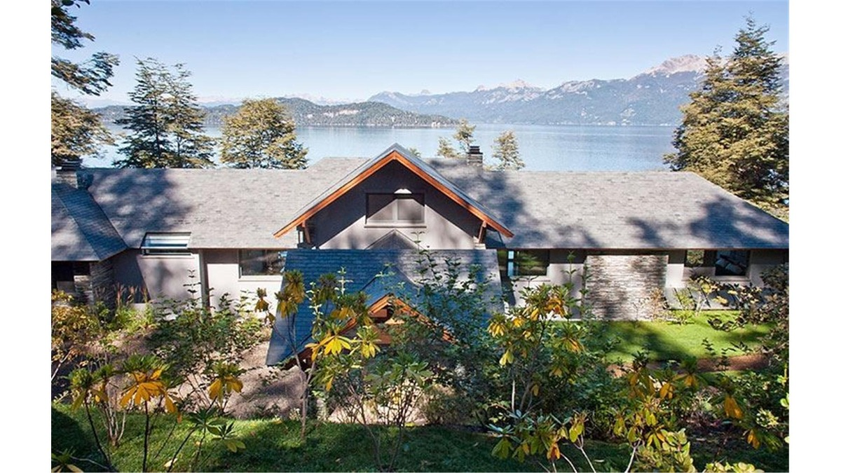 casa con costa de lago nahuel huapì