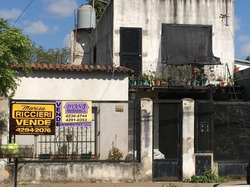 casa con departamento en planta alta en venta