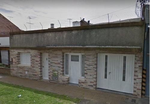casa con departamento en venta en berazategui oeste