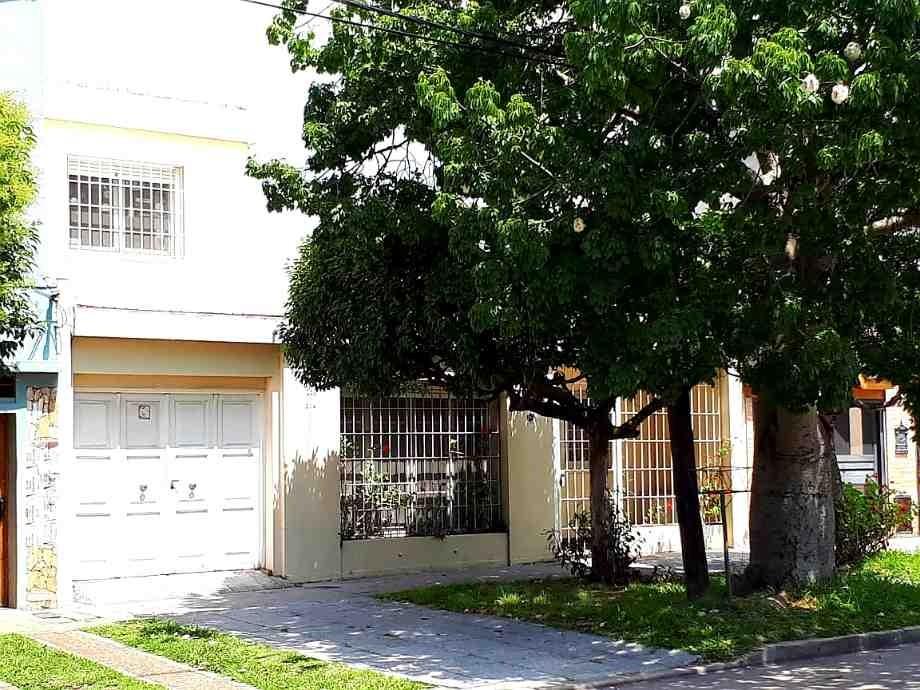 casa con departamento en venta en quilmes oeste centro