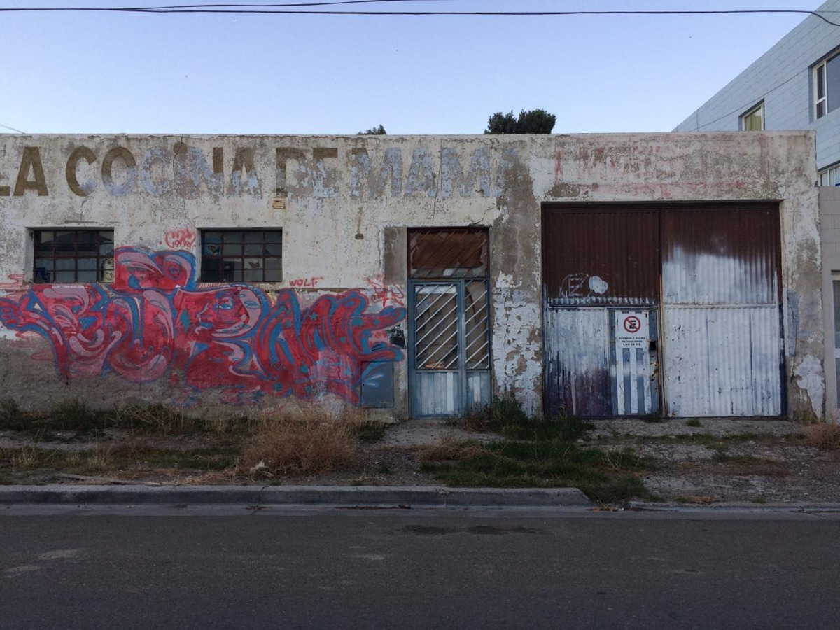 casa con deposito comercial o industrial