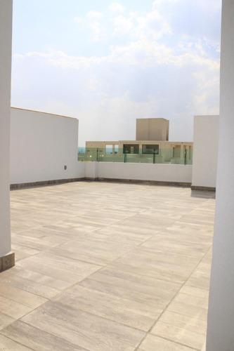 casa con espectacular jardín y terraza con bonita v