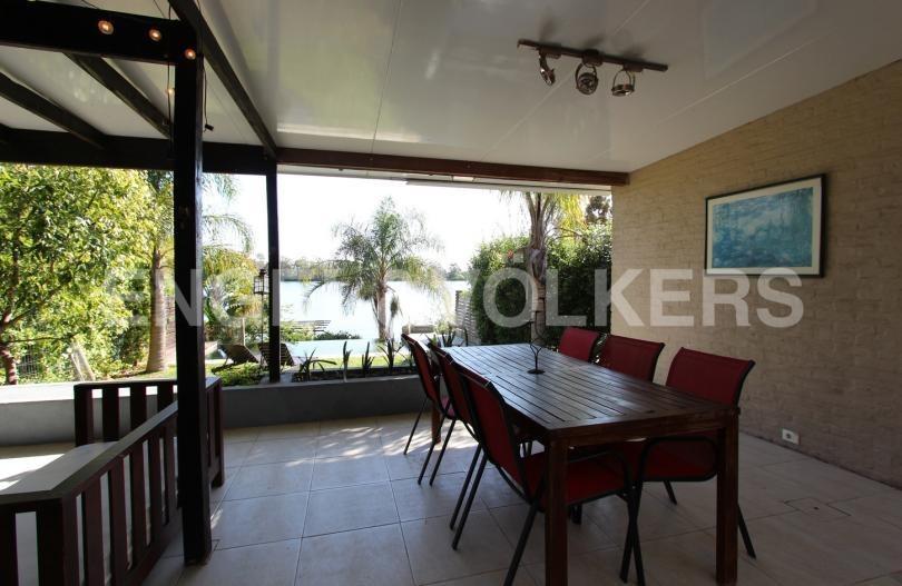 casa con espectacular vista al lago en alquiler