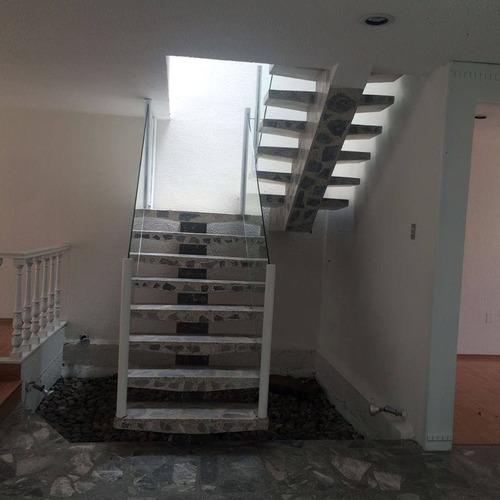 casa con excelente mantenimiento