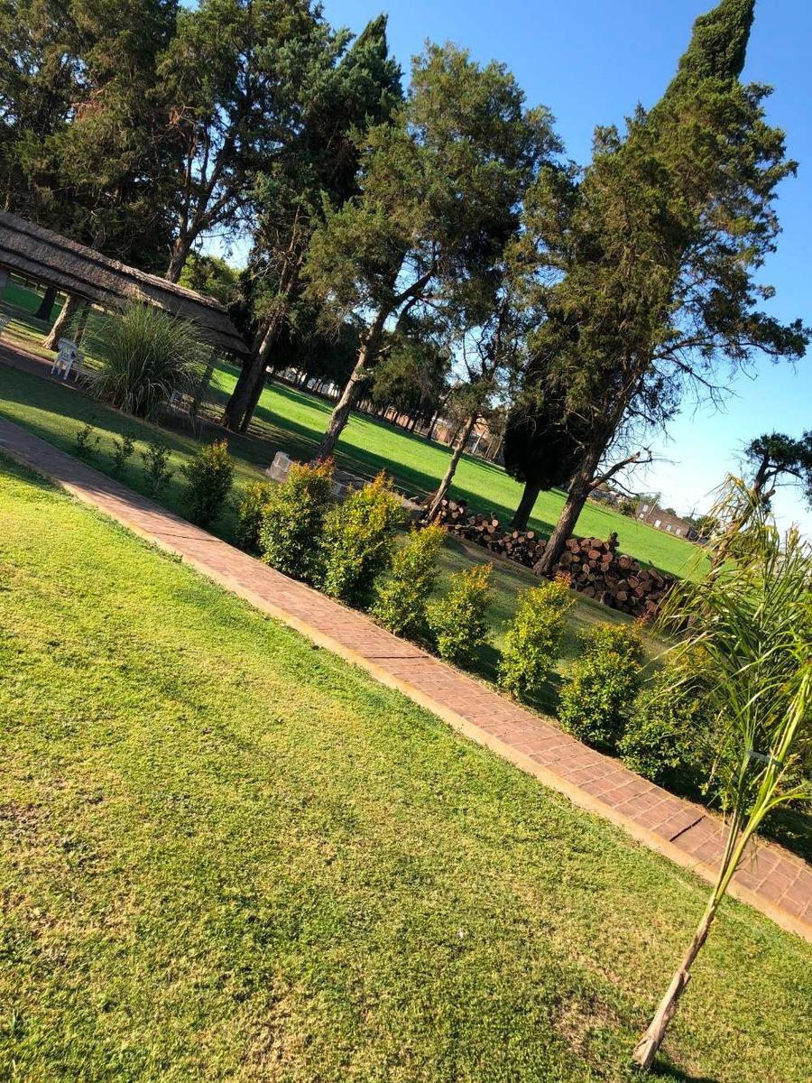 casa con excelente parque