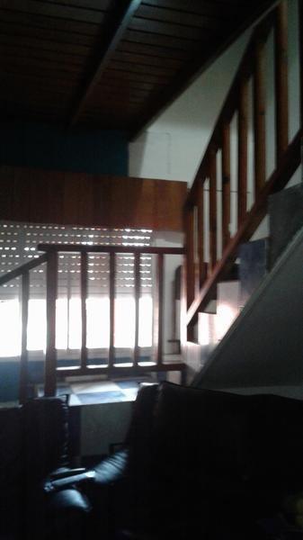 casa-con facilidades--a metros del nuevo paso bajo nivel!!!!!