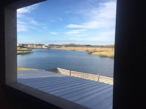casa con financiación  en acacias en puertos/lago escobar de costantini