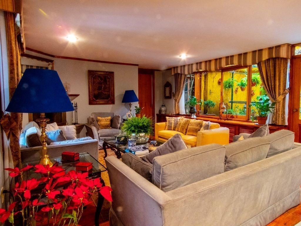 casa con gran estilo en jardines del pedregal en venta
