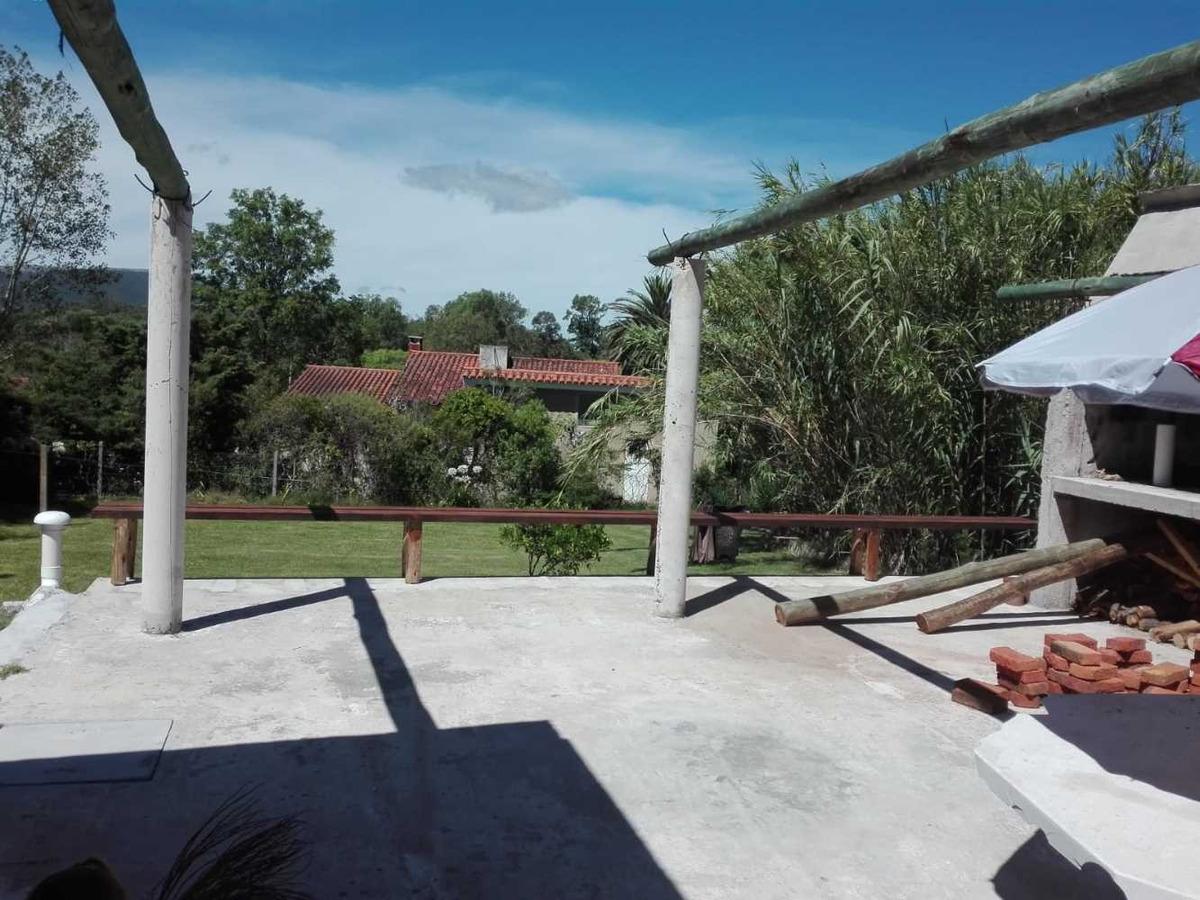 casa con gran terreno en balneario solís